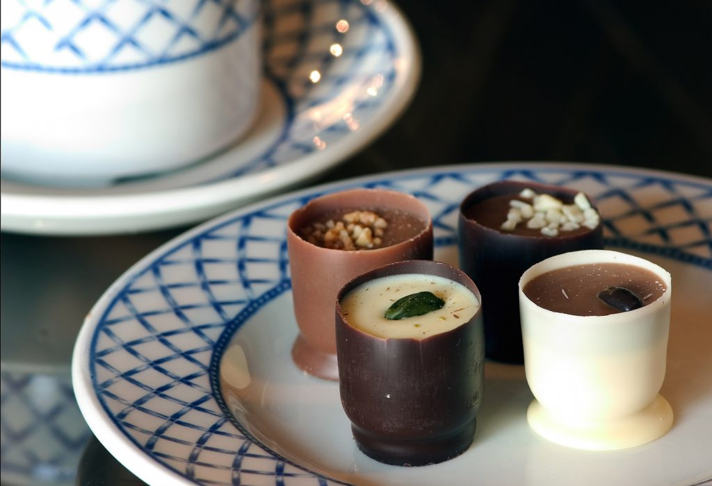 Thai-desserts-chocolate-truffle-cups