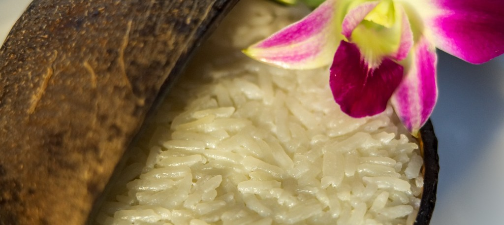 thai-coconut-rice-in-coconut-shell