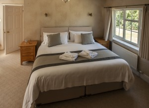 church-cottage-bedroom-with-super-kingsize-bed